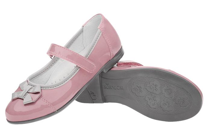 Balerinki na rzepy buty KORNECKI 4683 Lakierki